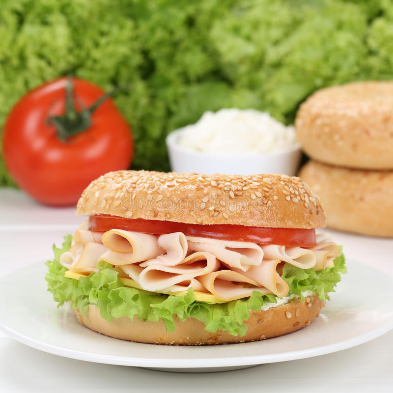 Free Healthy Eating Bagel For Breakfast With Ham Stock Image - 66483001
