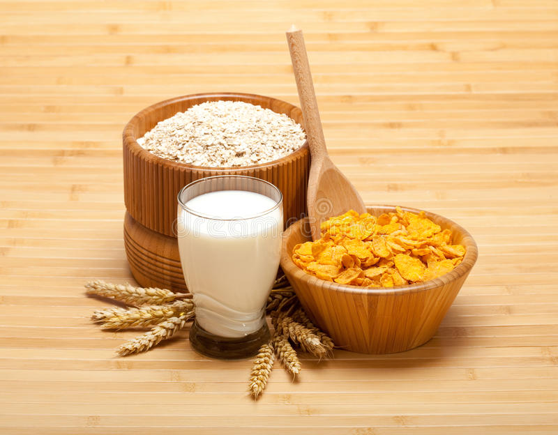 Download Healthy Food - Corn Flakes With Milk Stock Photo - Image: 15454234