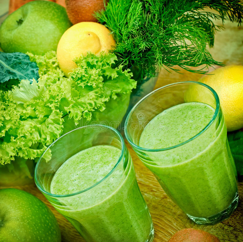 Free Healthy Green Smoothie Stock Images - 41696094