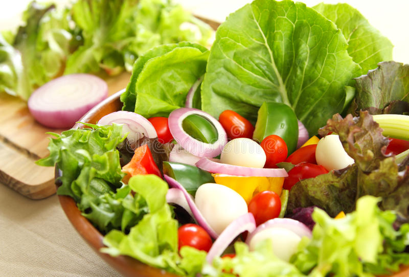 Download Healthy Salad With Quail Eggs Stock Image - Image: 20964777