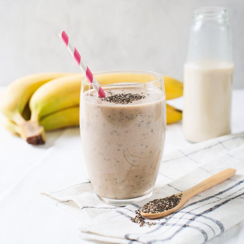 Free Healthy Smoothie Banana Almond Milk Chia Stock Photo - 121381960