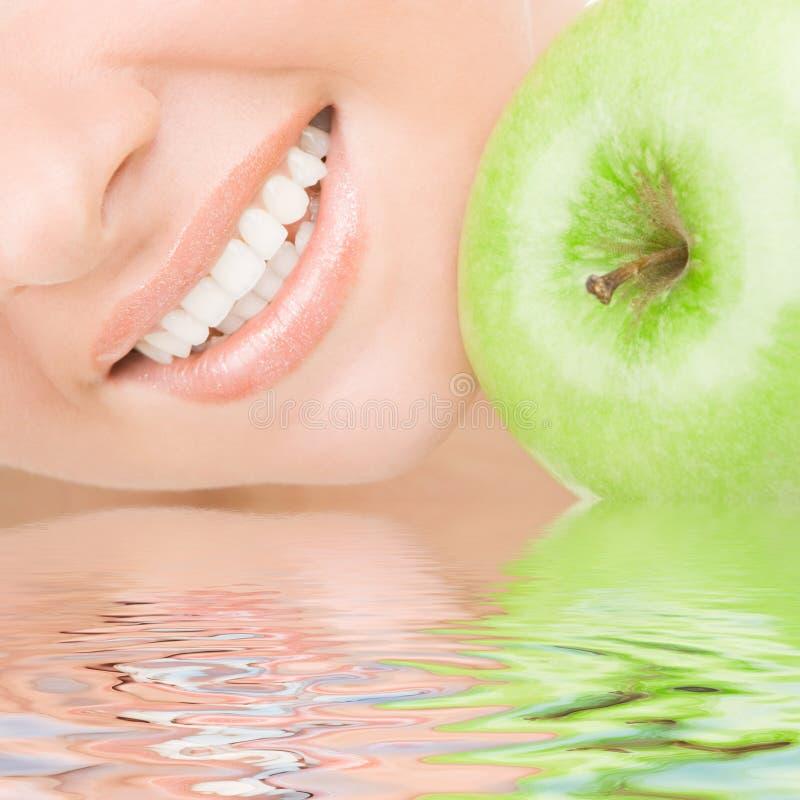 Free Healthy Teeth And Apple Stock Photos - 9273213