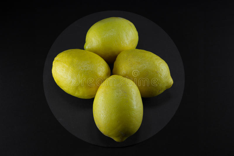 Healty organisches natürliches Gelb der frischen Frucht der Zitrone stockfotografie