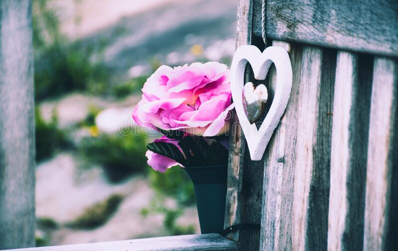 Heart And Flowers On Bench Free Public Domain Cc0 Image