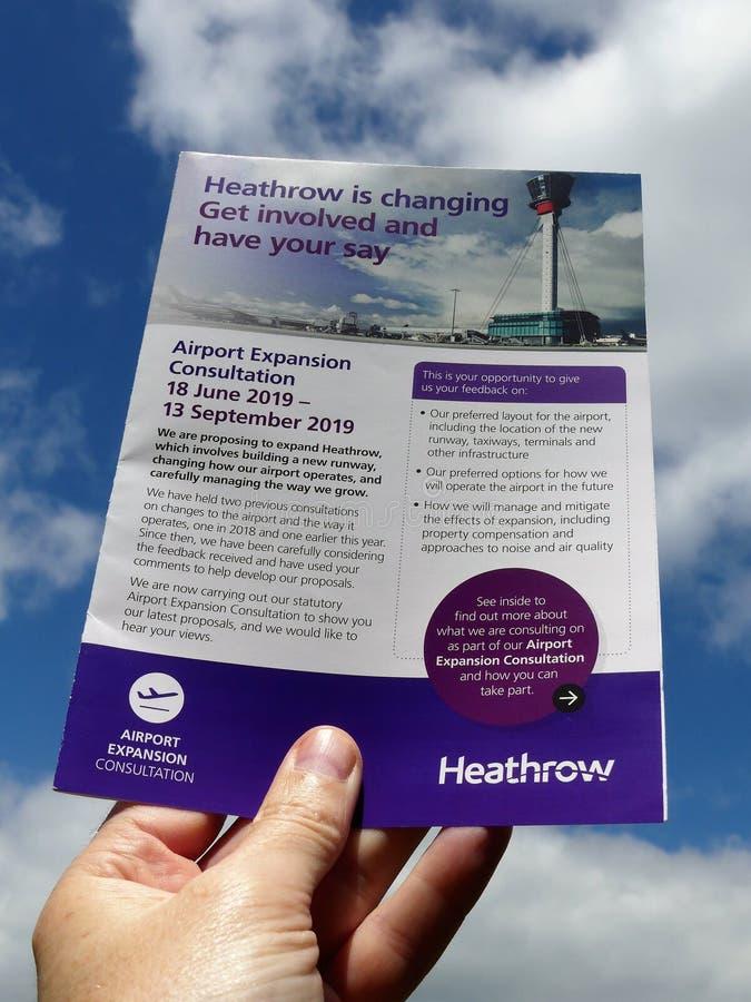 Heathrow ändrar Get gällde och att ha ditt att säga Broschyr för flygplatsutvidgningskonsultation royaltyfria bilder