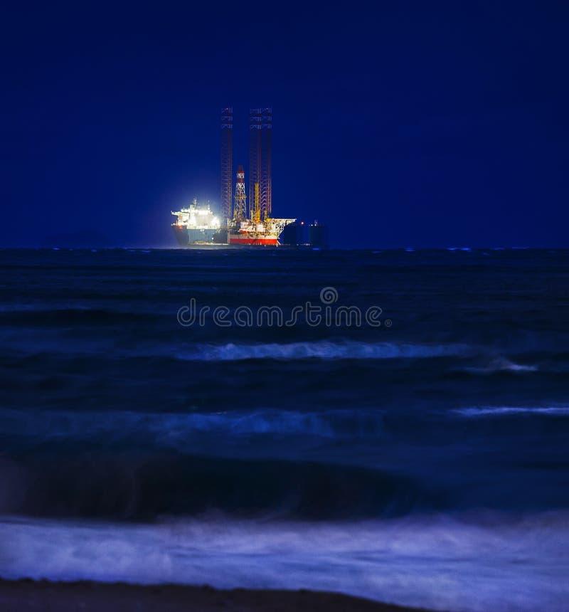 Free Heavy Lift Vessel Stock Photo - 36281860
