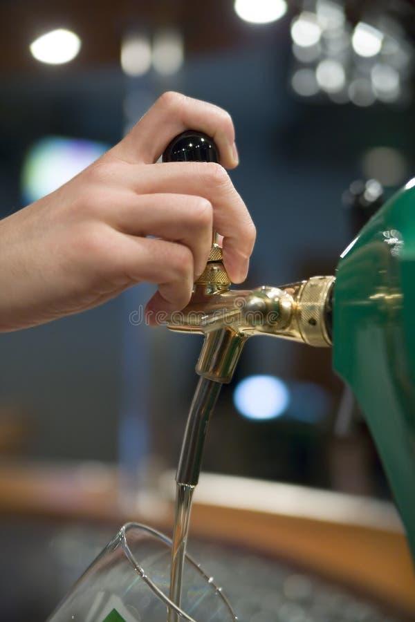 Hebben een bier royalty-vrije stock foto