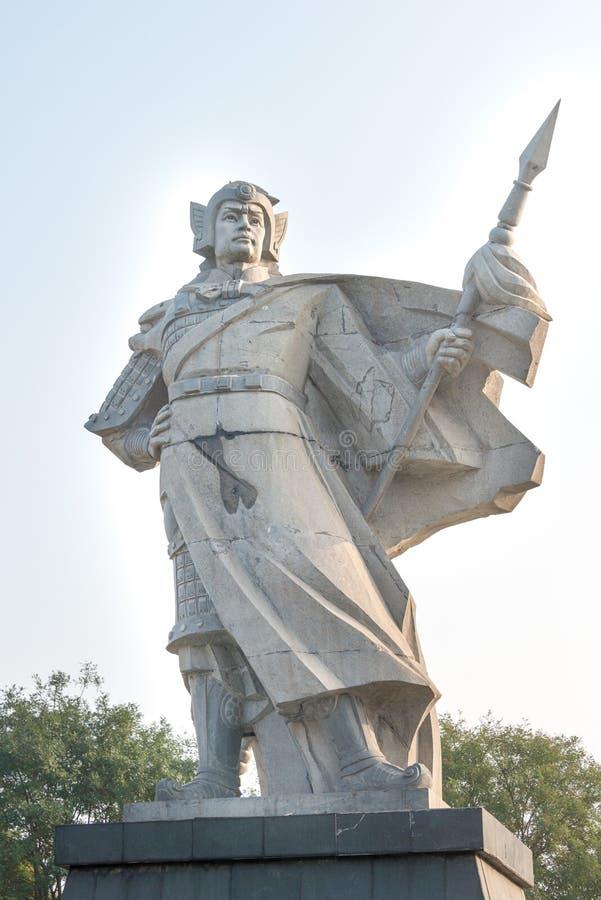 HEBEI, CHINA - 23 de outubro de 2015: Zhao Yun Statues no quadrado de Zilong dentro fotografia de stock royalty free