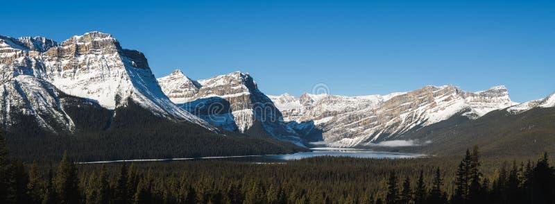 Hector Jeziorna panorama w skalistych górach obraz royalty free