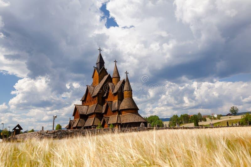Heddal梯级教会泰勒马克郡挪威Scandanavia 库存照片