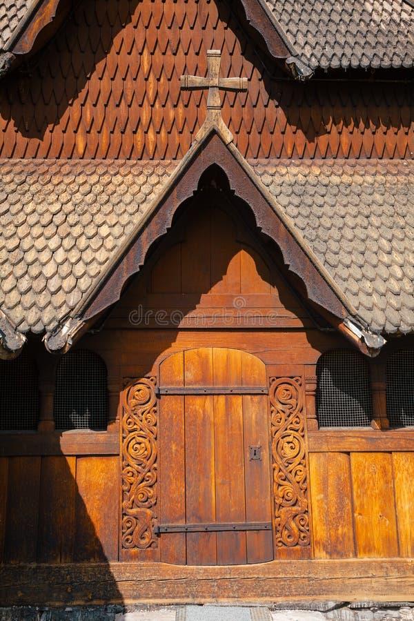 Heddal梯级教会门泰勒马克郡挪威Scandanavia 免版税库存图片