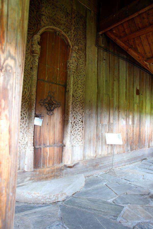 Heddal Stave Church, grootste die de staafkerk van Norways, Notodden-gemeente, het beste van houten kerken wordt bewaard royalty-vrije stock foto