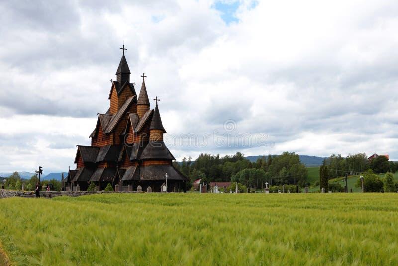 Heddal Stave Church, Norways störst notsystemkyrka, Notodden kommun, det bästa som bevaras av alla dem fotografering för bildbyråer