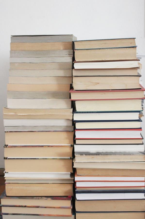 Heel wat boeken royalty-vrije stock foto's