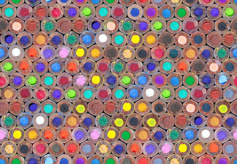 Heel wat helder van kleurrijke houten potloden voor tekening stock fotografie