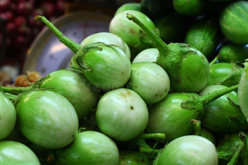 Heel wat ronde aubergine royalty-vrije stock afbeeldingen