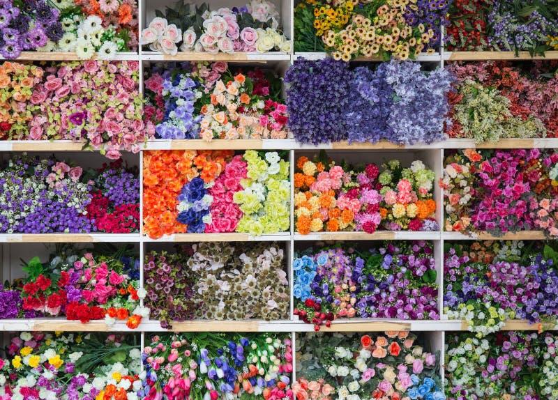 Download Heel wat valse bloem stock foto. Afbeelding bestaande uit bloesem - 54083340