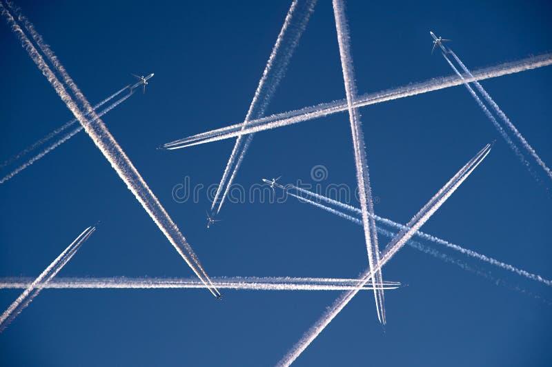 Heel wat vliegtuigen het vliegen stock afbeeldingen