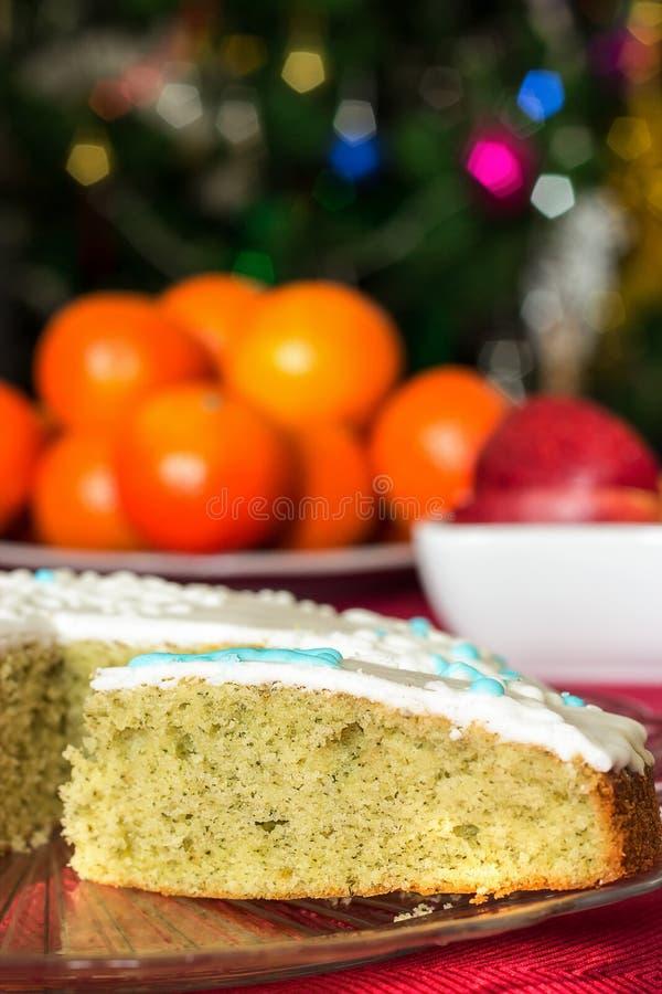 Heerlijk eigengemaakt biscuitgebak met munt Kerstmistak en klokken Blu royalty-vrije stock afbeelding