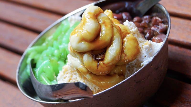 Heerlijk lokaal Maleis dessert Cendol Durian stock afbeelding