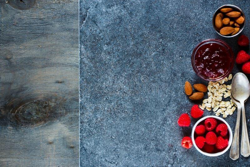 Heerlijk ontbijt over steen stock fotografie