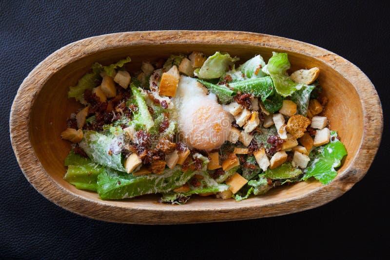 Heerlijke ceasar salade stock afbeeldingen