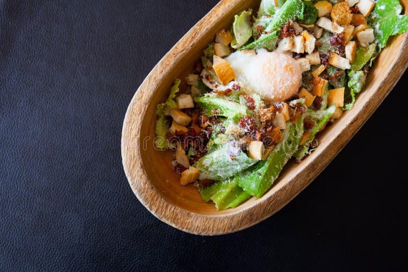 Heerlijke ceasar salade stock afbeelding