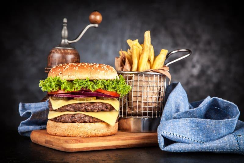 Heerlijke geroosterde hamburger stock foto