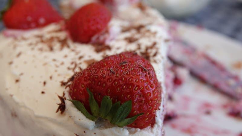 Heerlijke met de hand gemaakte strawberrycake stock foto