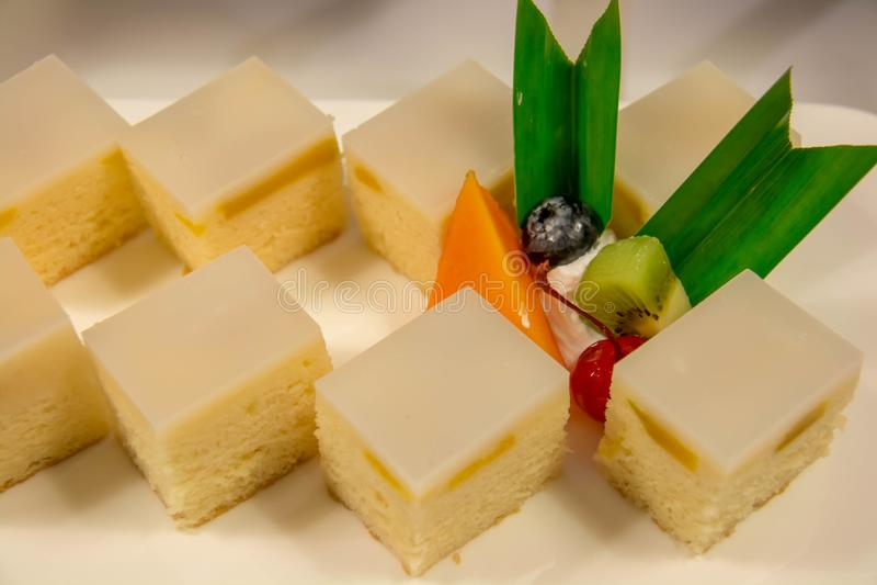 Heerlijke Minicake voor buffetpartij royalty-vrije stock foto's