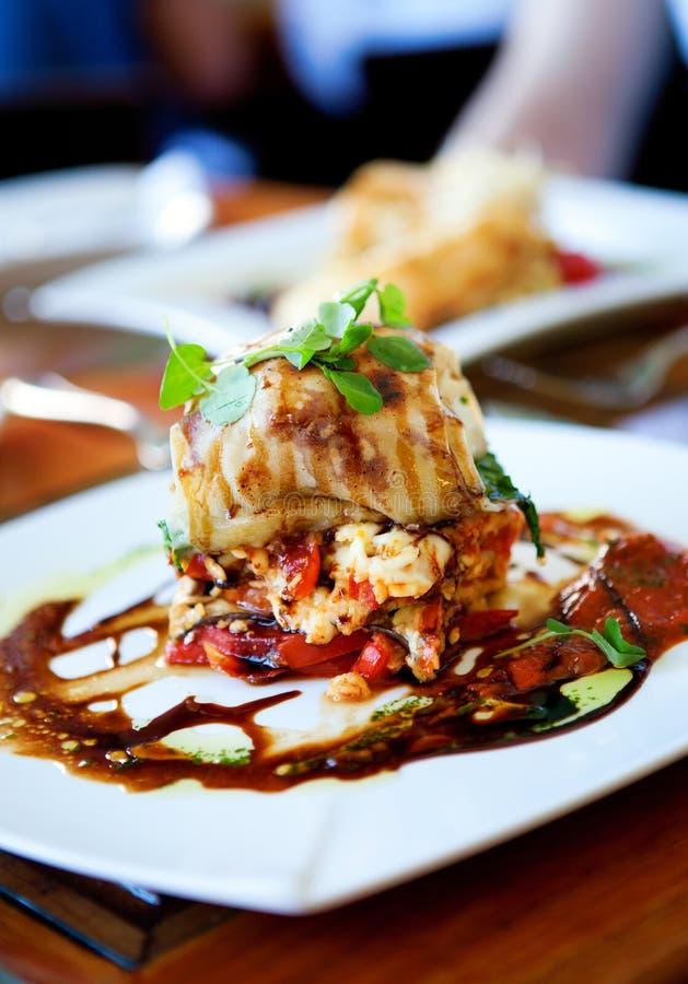 Heerlijke paling met rijst en groenten stock fotografie