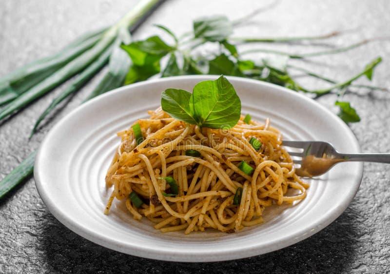 Heerlijke Spaghettinoedel voor Ochtendontbijt royalty-vrije stock foto