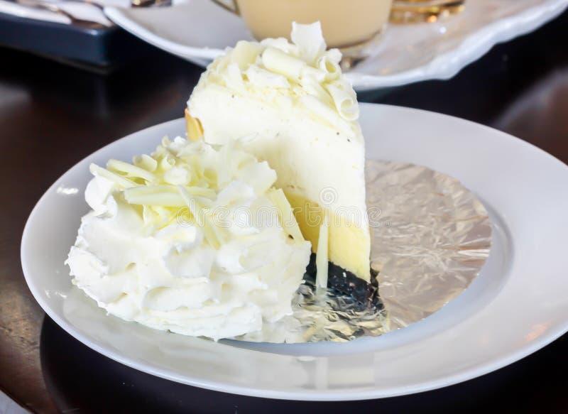 Heerlijke witte cake stock afbeelding
