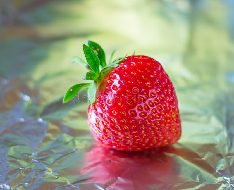 Heerlijke zoete sappige verse smakelijke aardbei stock foto
