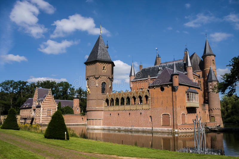 Heeswijk castle on the water in Nederland stock photos