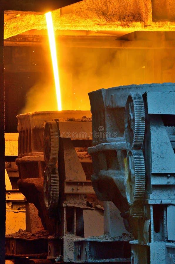 Heet gesmolten staalvervoer royalty-vrije stock foto's