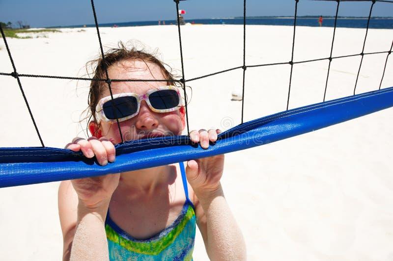 Heet Meisje op het Hof van het Volleyball stock afbeelding
