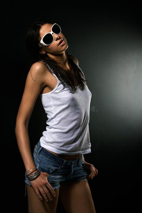 Heet meisje in zonnebril royalty-vrije stock afbeeldingen
