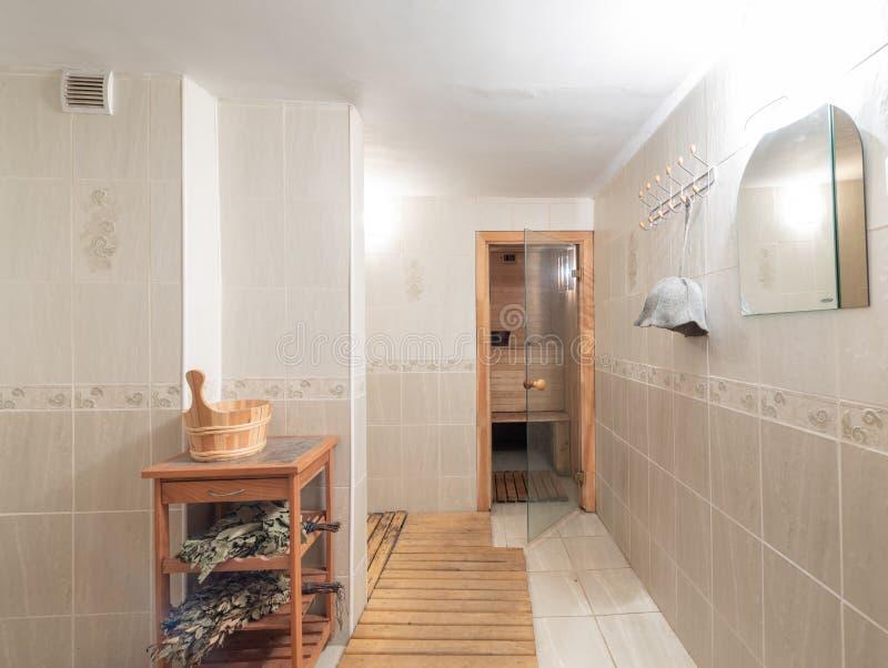 Heet saunabinnenland binnenshuis stock afbeelding