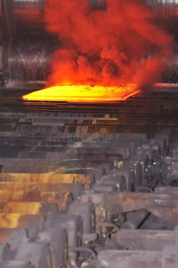Heet staal op transportband royalty-vrije stock foto