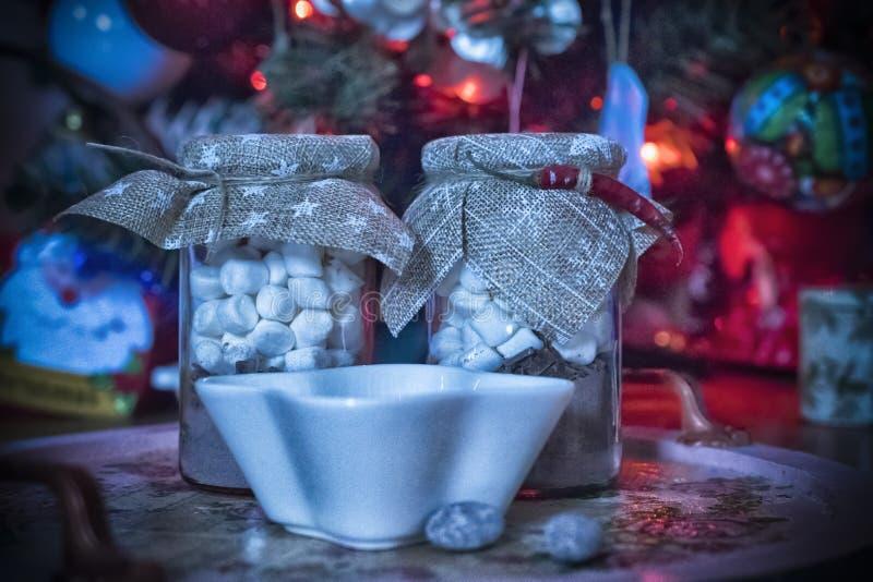Heiße Schokolade in Weihnachtsabend stockbilder