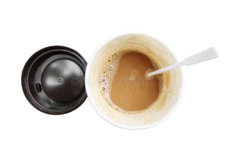 Heißer Kaffee in der Papierschale gesehen von Spitzen lokalisiert auf weißem Hintergrund stockbilder