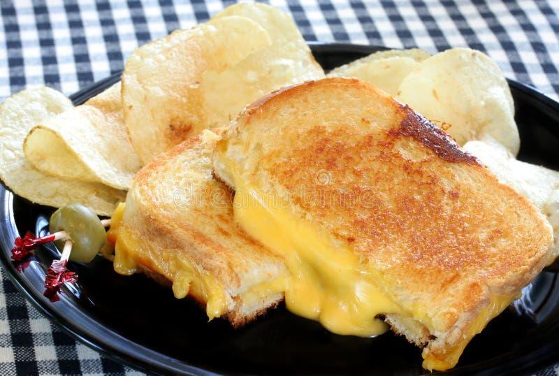 Heißes gegrilltes Käse-Sandwich lizenzfreie stockfotografie