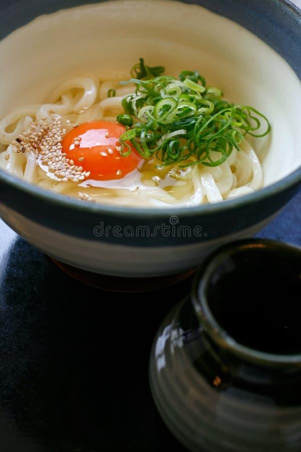 Heißes Udon in der Suppe lizenzfreies stockbild