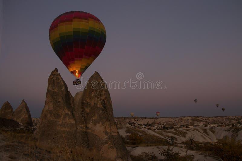 Heißluft-Ballonfahrt, Goreme, Cappadocia, die Türkei lizenzfreie stockfotografie
