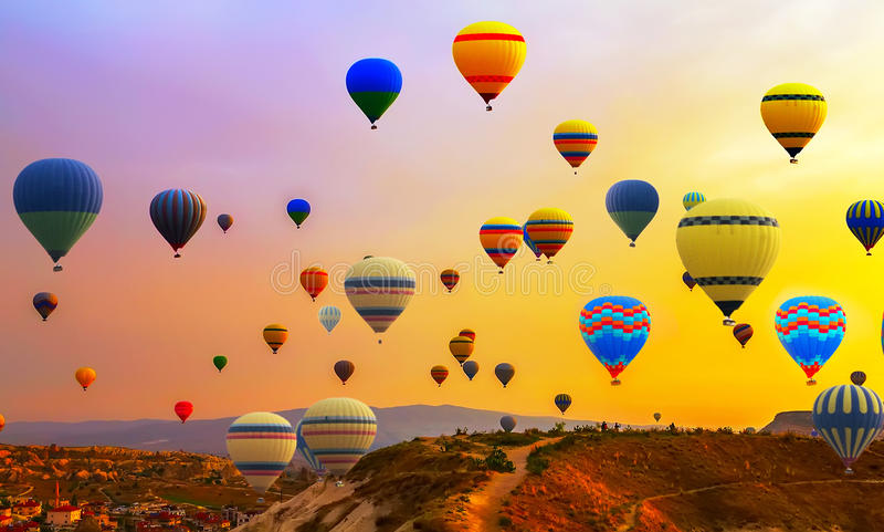 Heißluft Ballonsflug lizenzfreie stockfotos