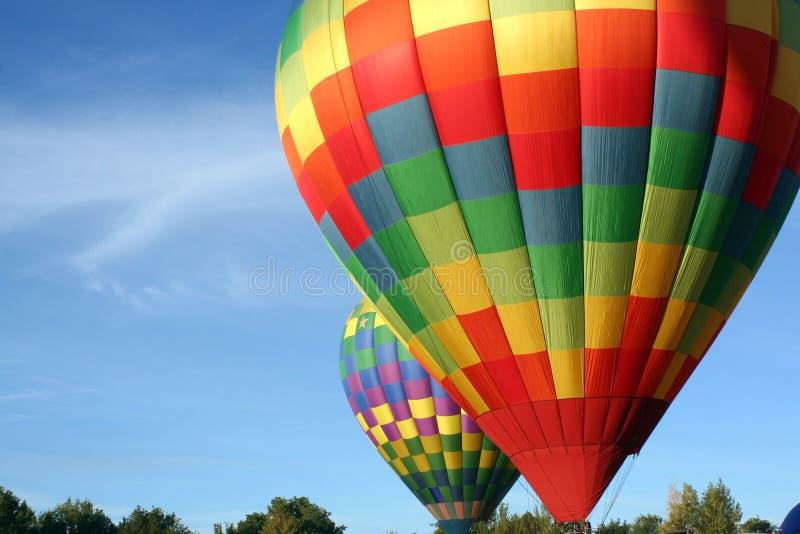 Heißluft steigt bereites zu Take Off im Ballon auf stockbild