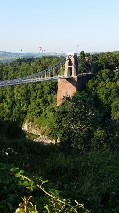 Heißluftballone Clifton Suspension Bridge Bristols stockfotografie