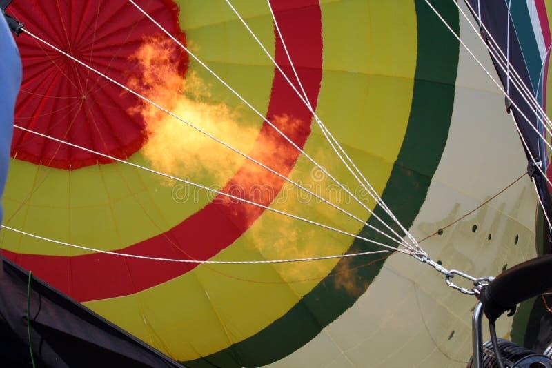 Heißluftballone, die mit Ballonrennen Heißluft St. Louis MO gefüllt werden stockbilder