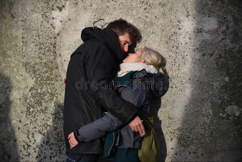 Heiden und Druiden markieren die Winter-Sonnenwende bei Stonehenge lizenzfreie stockfotografie